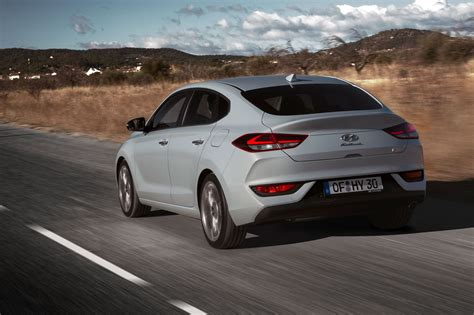 hyundai  fastback  review car magazine