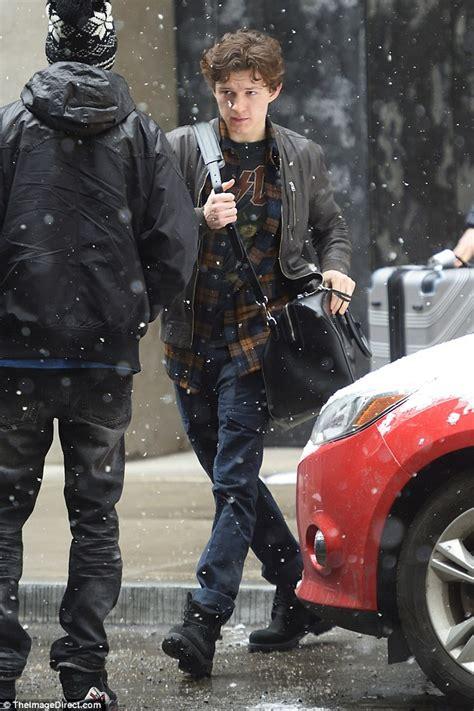 zendaya  tom holland brave   york snow