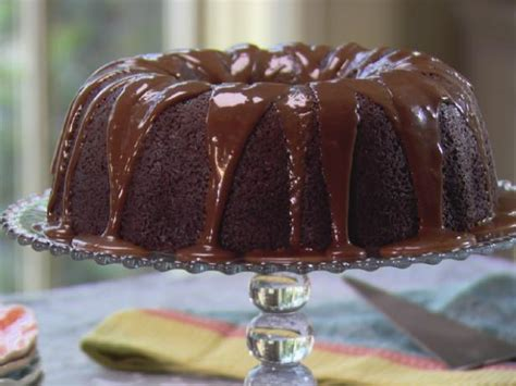 But it's the crackers and bacon on top that do it for me. Chocolate Orange Cake Recipe | Trisha Yearwood | Food Network