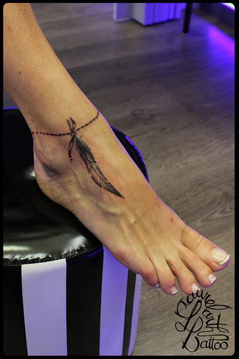 laurelarth tattoo tatouage region lyonnaise lyon plume