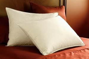 Bed, Pillows