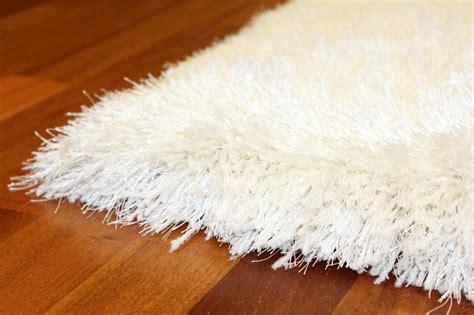 tapis shaggy soft deluxe blanc trendcarpet fr