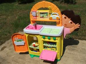 dora s the explorer talking kitchen play set toy