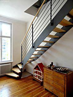 Moderne Und Kreative Innenraum Holztreppeninteressante Wendeltreppe Aus Holz by Die Besten 25 Moderne Treppe Ideen Auf