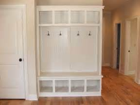 Corner Mudroom Lockers with Bench