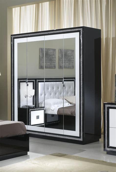 armoire de chambre design armoire design 4 portes avec miroir laquée blanche et