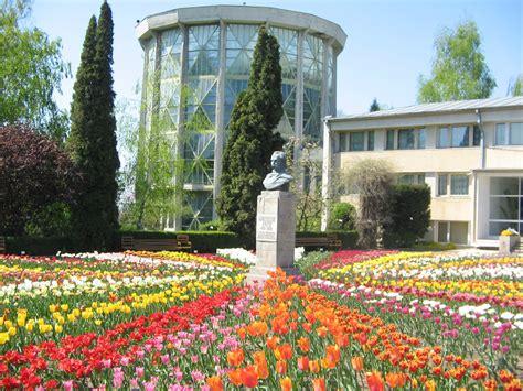 Botanischer Garten Cluj by Iasi Botanical Garden Official On The Road Again