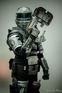 Dead Space 2 Security Suit Cosplay | Dead Space Reference ...