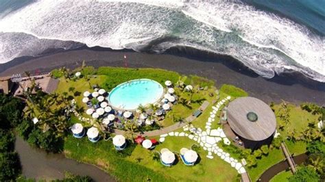beach club aerial view picture  komune resort keramas