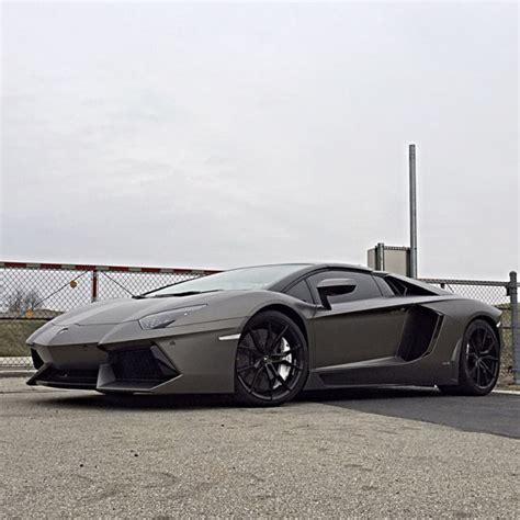 lamborghini aventador roadster lp  matte grey