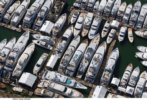 Miami Boat Show Water Taxi Locations by Miami Boat Show 2013 Guide Atlantic Yacht Ship Inc