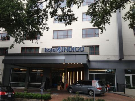 garden district hotels hotel indigo new orleans front entrance picture of hotel