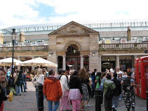 East Piazza, Covent Garden, Covent Garden Piazza, London   Shopping/Markets in London