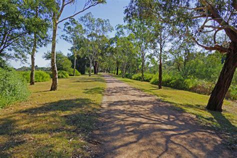 walking bike riding trails  howitt park bairnsdale