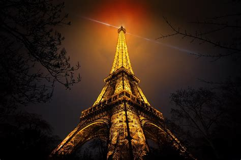 light tower wallpaper eiffel tower night paris vignette tower light