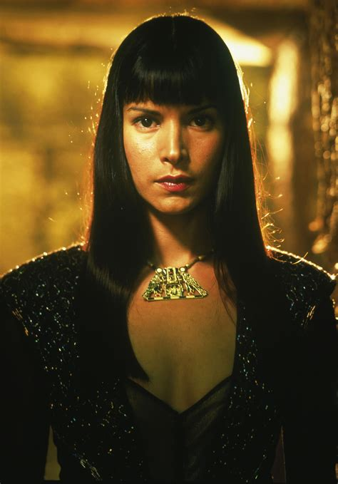 name of actress in the mummy movie patricia velasquez as the marcasian empress caroline