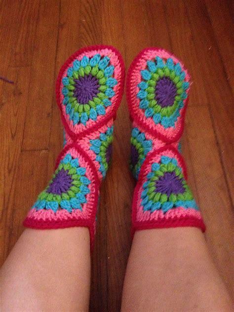 wonderful diy crochet hexagon slipper boots  pattern