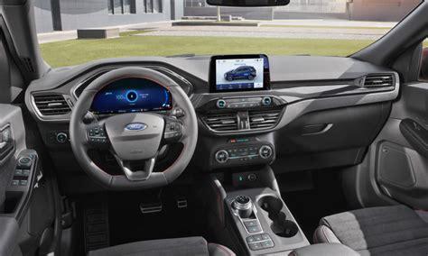 ford kuga debuts   plug  hybrid variant