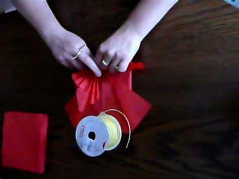 pliage de serviette en papier forme papillon