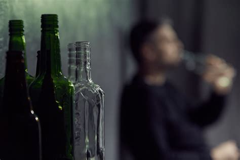 alcohol detox withdrawal detox timeline symptoms effects