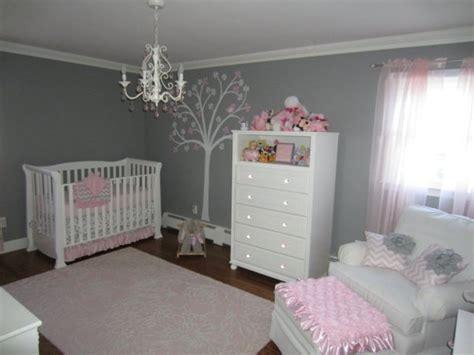 chambre bébé gris et idee deco chambre bebe fille et gris