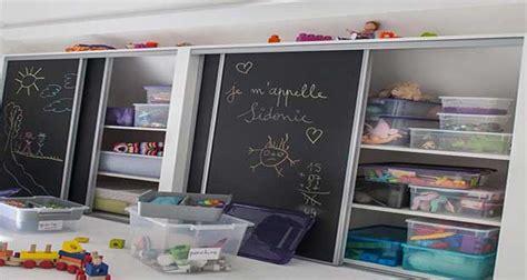 astuce pour amenager cuisine aménagement et déco ludique dans la salle de jeux des enfants