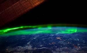 NASA invites us to admire the Aurora Borealis from space ...