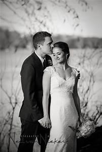 Wedding photography posing tips For variety make slight