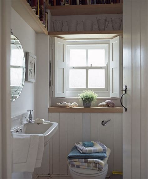 Bathroom Decorating Ideas Pictures For Small Bathrooms by 6 Decorating Ideas To Make Small Bathrooms Big In Style