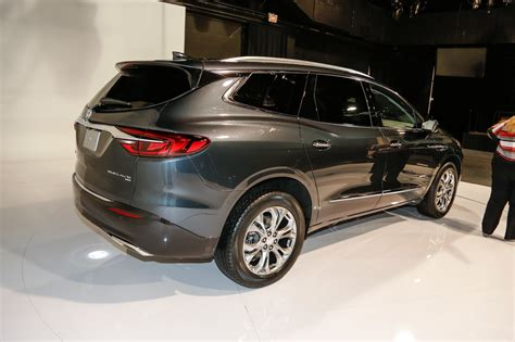 2018 Buick Enclave Avenir First Look: Redesigned Flagship ...