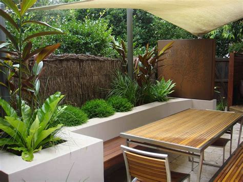beautiful residential landscapes beautiful courtyard landscaping ideas bistrodre porch