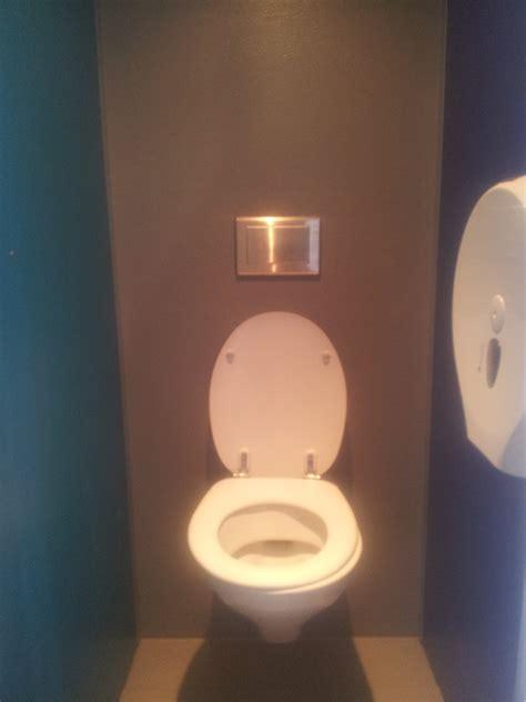 toilet huren voor feest toiletwagen standaard toiletwagen verhuur