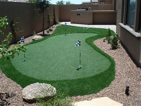 How To Make A Putting Green In Backyard by Best 25 Outdoor Putting Green Ideas On
