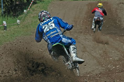 motocross action file motocross action jpg wikimedia commons