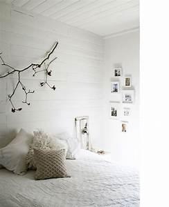 Lambris Peint En Blanc : chambre blanche mur lambris blanc ~ Dailycaller-alerts.com Idées de Décoration