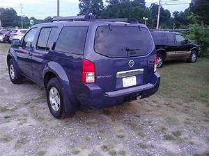 2005 Nissan Pathfinder - Pictures
