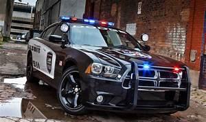 Voiture Police Dubai : les 10 voitures de police les plus insolites du monde blog quartier des jantes ~ Medecine-chirurgie-esthetiques.com Avis de Voitures