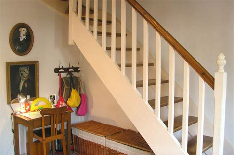 interieur cuisine deco peindre un escalier en bois