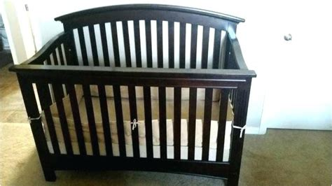 essentials  baby cache bliss curved top crib adinaporter