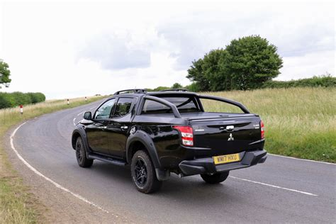 Mitsubishi L200 by Mitsubishi L200 Review 2015 On Parkers