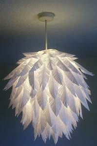 Lampe Aus Federn : papier lampenschirm basteln diy lampen f r mehr ~ Michelbontemps.com Haus und Dekorationen