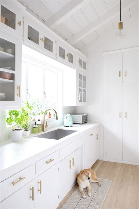 kitchen design white cabinets best 25 small white kitchens ideas on small 4605