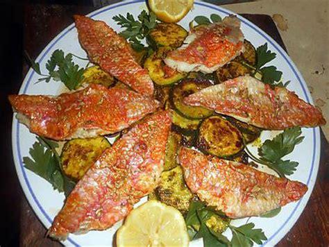 cuisiner le bar entier recette de filet de rouget courgette à la marocaine