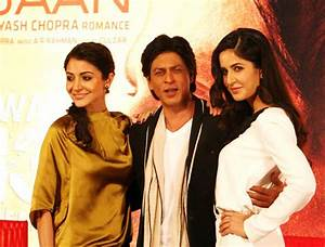 He's a charmer! King Khan and his queens