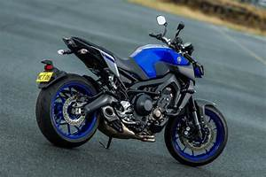 Yamaha Mt09 2017 : 2017 yamaha mt 09 review loaded naked bike me ~ Jslefanu.com Haus und Dekorationen