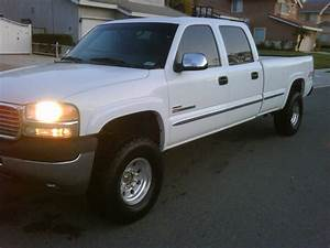 2002 Gmc 2500hd  Duramax  Crew Cab  4wd  Long Bed  Low Miles Possible Trade