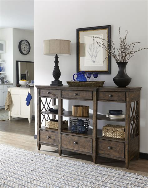 trisha yearwood dining room bakersfield dining room server