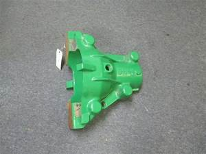 John Deere Retainer Housing Case R556132 R556133 R556134