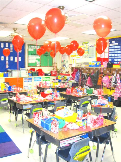 VALENTINES DAY CLASS PARTY-SIMPLE: BALLOONS, PINK COTTON ...