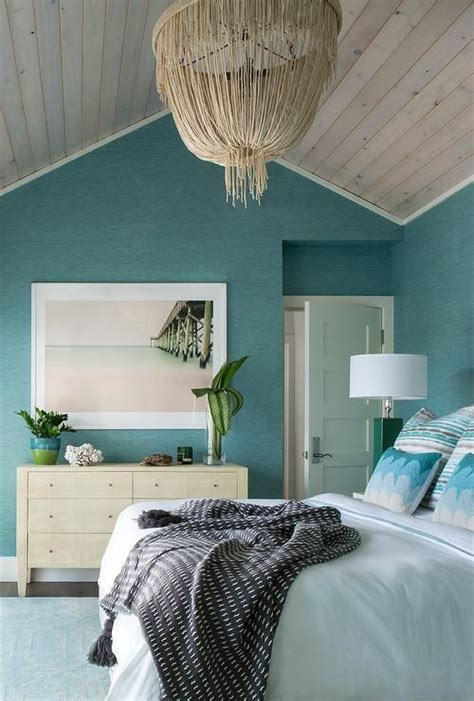 stunning blue beach style bedroom  clad  ocean blue